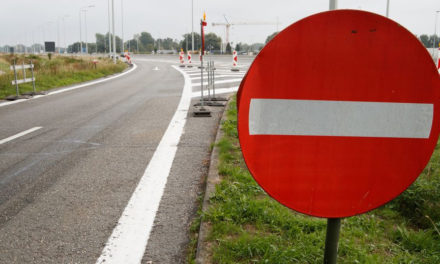 Opnieuw dreigen burgemeesters om snelwegparkings te sluiten door transmigranten
